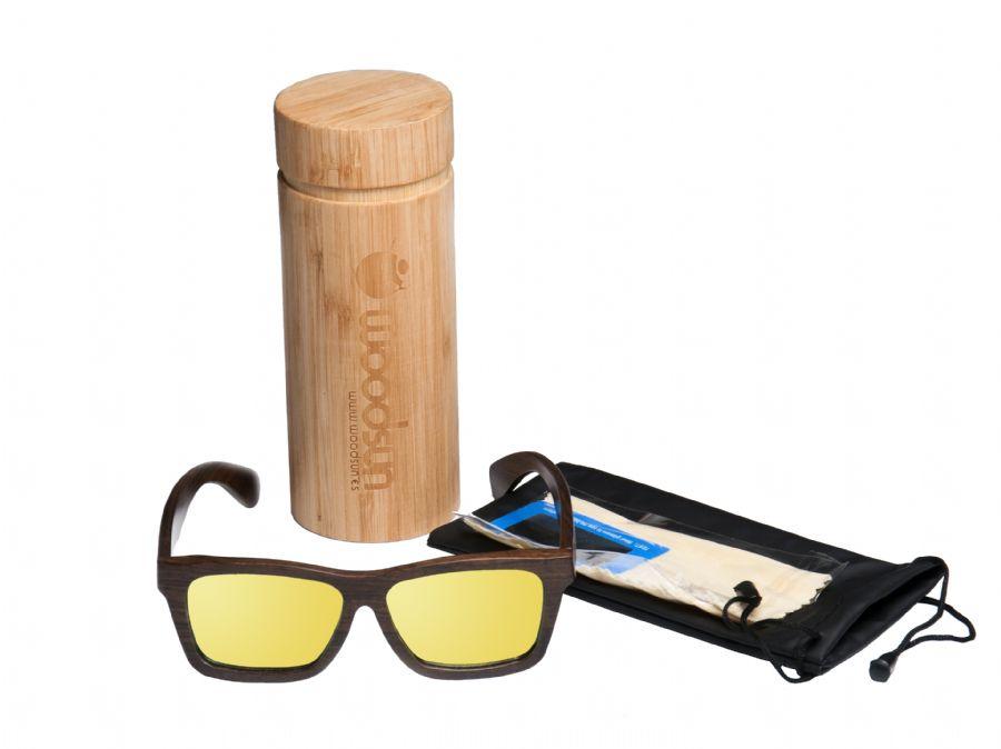 Gafas y relojes de madera